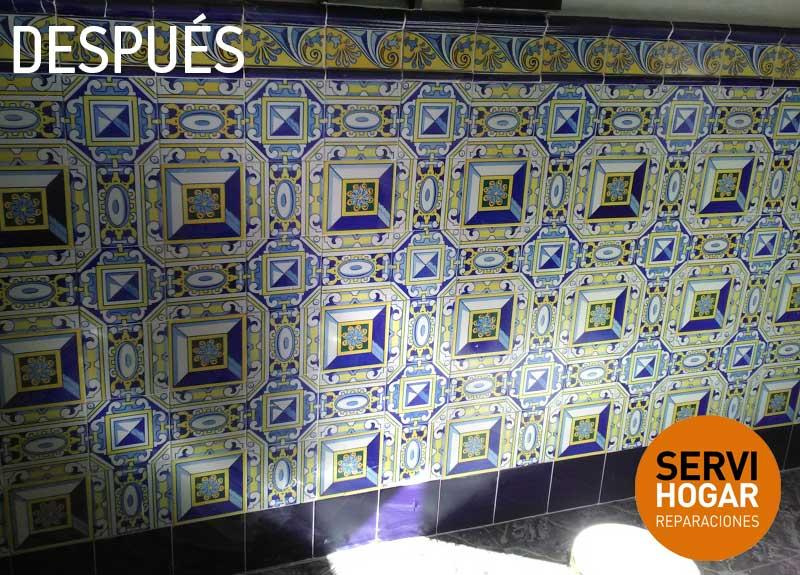 Arreglo de pared por azulejos ca dos servihogarservihogar - Azulejos patio andaluz ...